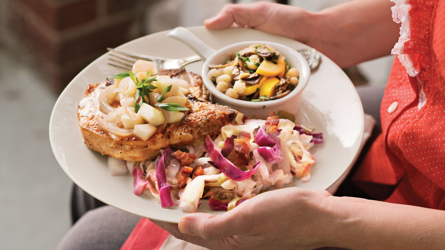 Top-Rated Main Dishes: Pork Loin Chops With Pear-and-Vidalia Pan Gravy