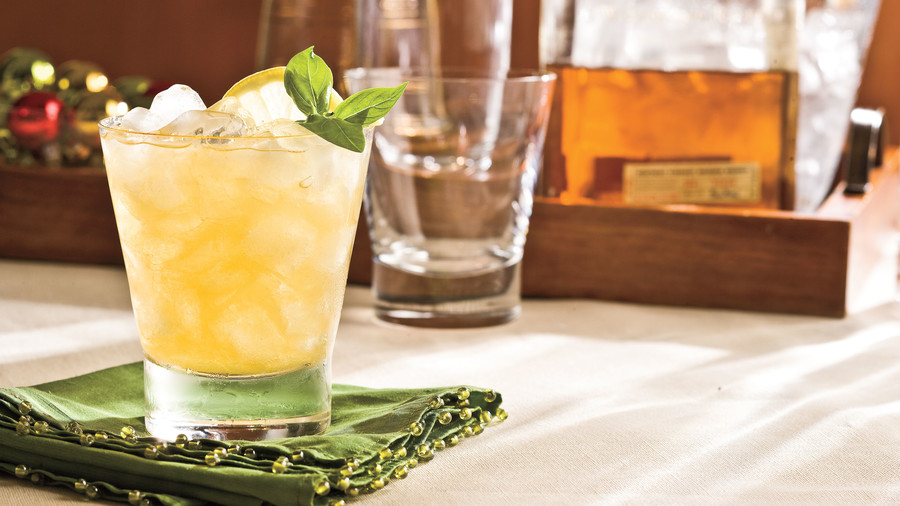 Christmas Recipes: Peach-Bourbon Sours