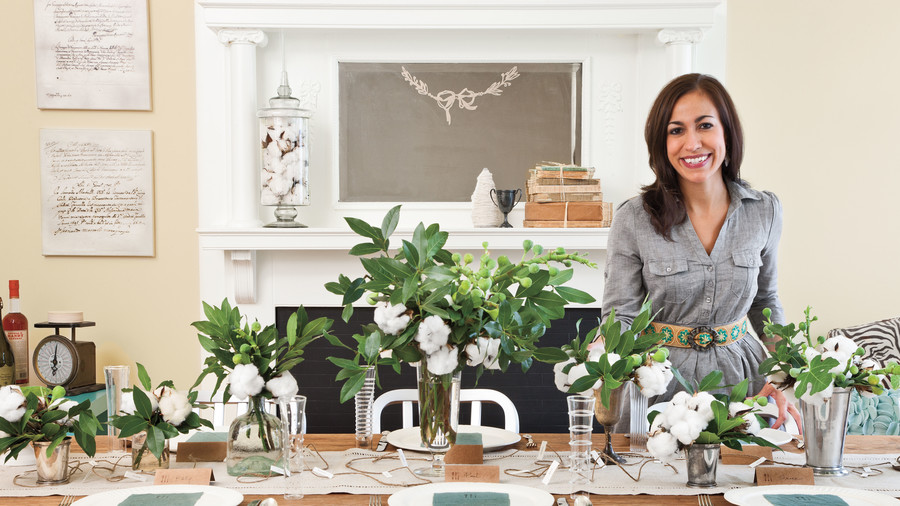 Modern Simplicity  sc 1 st  Southern Living & Simple Thanksgiving Table Setting - Southern Living
