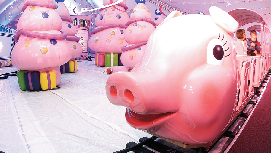 Southern Christmas Vacations: Atlanta Pink Pig Rides