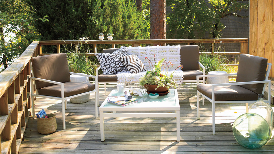 Correlating Deck Furniture