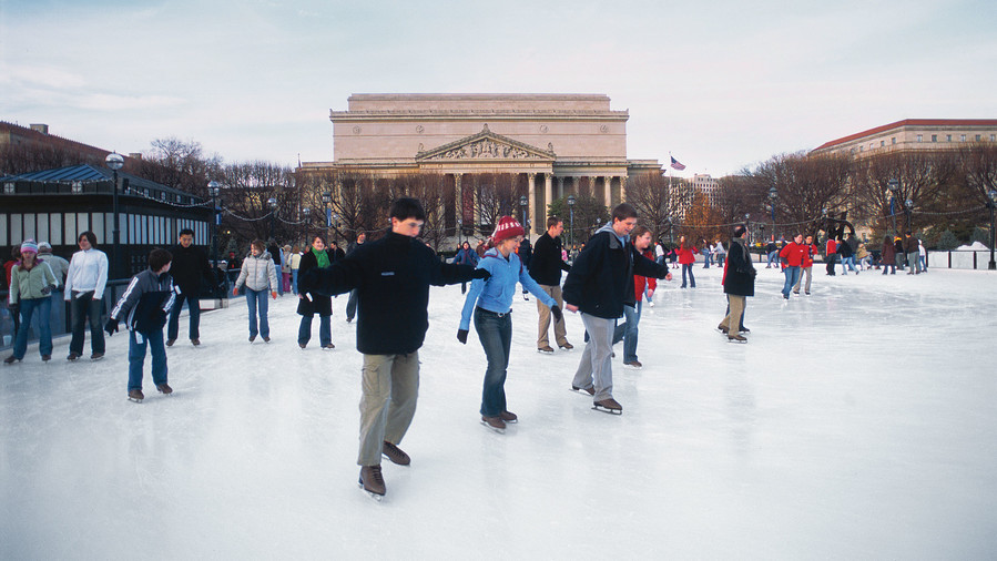 Skating on the Mall