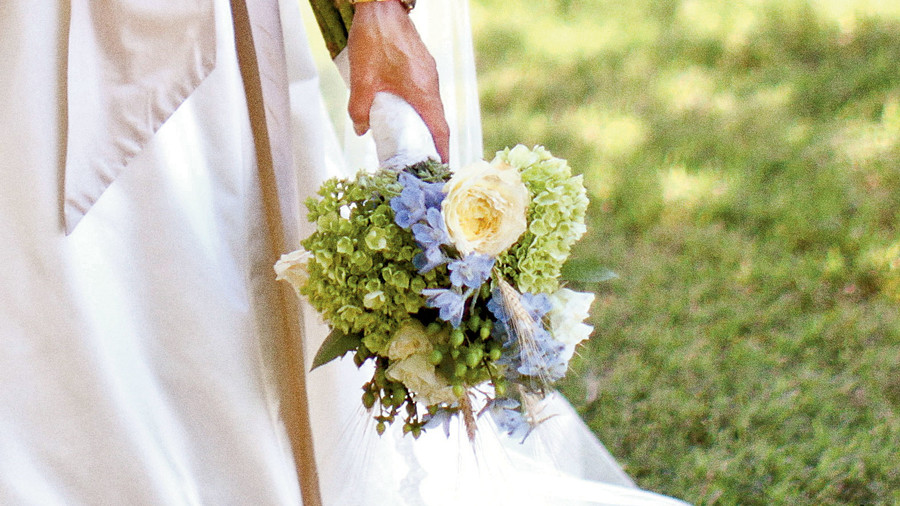 grocery store wedding flowers blue wedding flowers southern living 4628