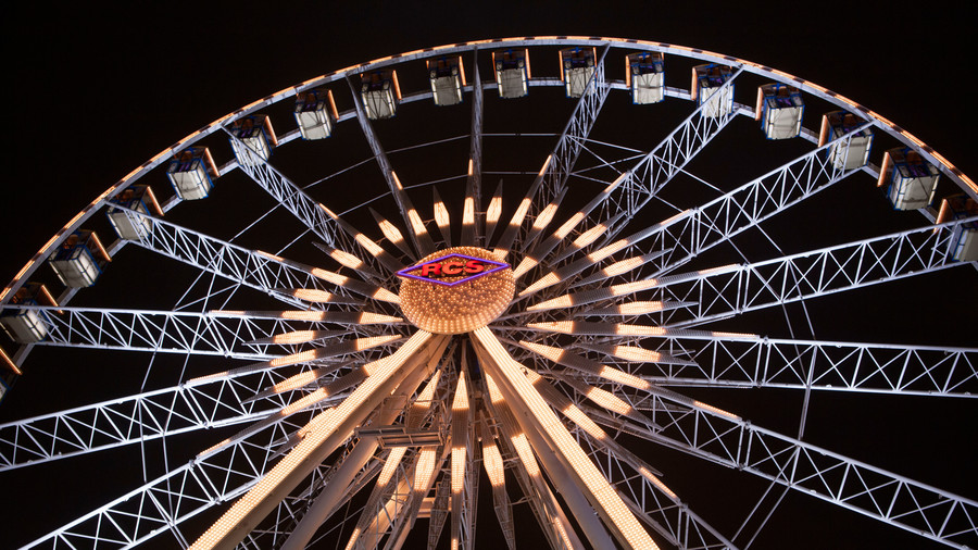 Take a turn on the ferris wheel.