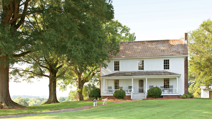 Charming home exteriors southern living for Farmhouse style homes for sale
