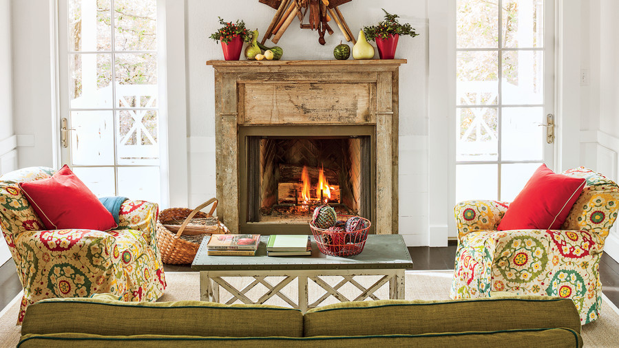 25 cozy ideas for fireplace mantels southern living - Decorating old fireplaces ...