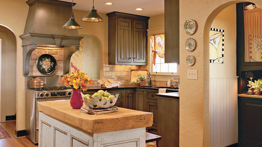 A Cozy Cottage-Style Kitchen