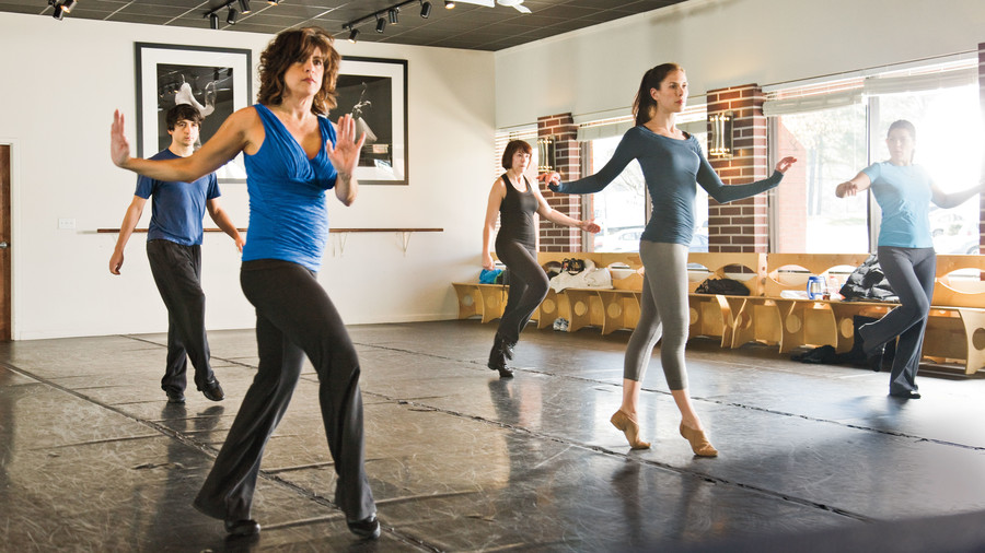 Fitness Dance Classes: Salsa