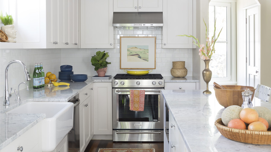 White Kitchen in Kiawah Island Home