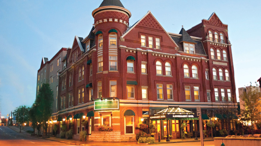 The Blennerhasset Hotel: Parkersburg, West Virginia