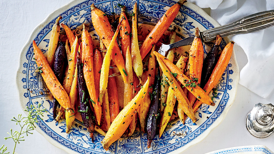 50 Best Thanksgiving Honey-Glazed Spiced Carrots