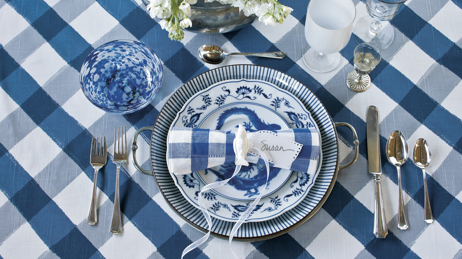 Christmas Table Setting winter blues