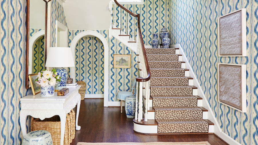 Blue Printed Wallpaper in Foyer