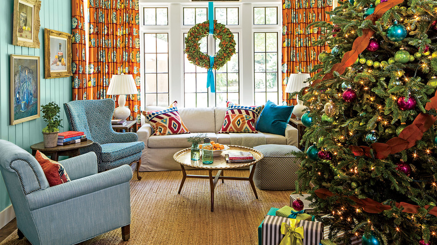 Gentil Keenan Living Room With Christmas Tree