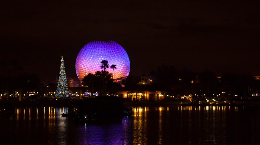 Southern Christmas Happenings Knock-Your-Stockings-Off Theme Parks