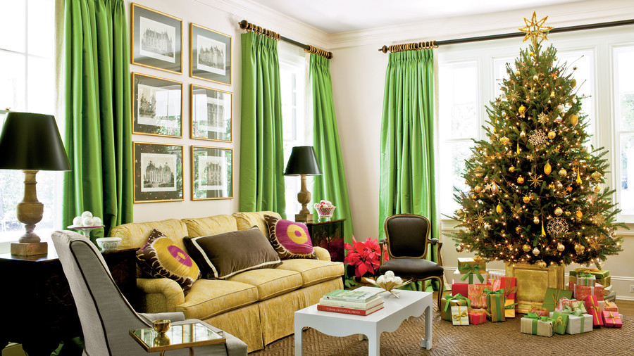 Sarah Tuttle Living Room Decorated For Christmas