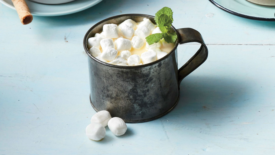 RX_1812_Classic Cocktails You Used to See At Every Southern Christmas Party_Hot Chocolate