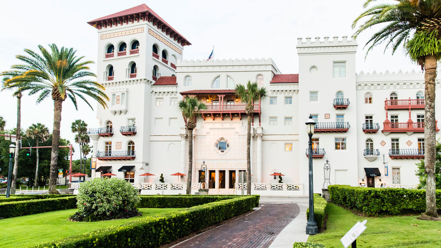 Like Sleeping in a Palace: Casa Monica Resort & Spa