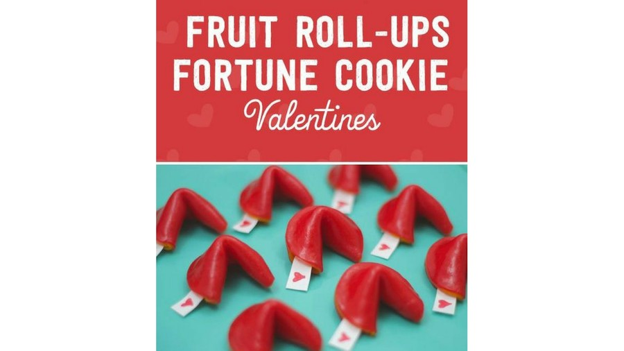 Fruit Roll-Ups Fortune Cookies