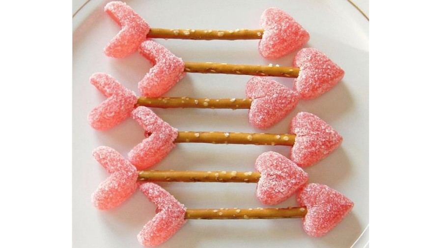 Cupid's Arrow Pretzels