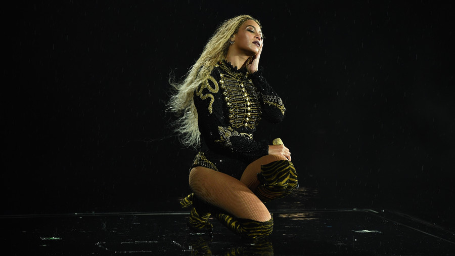 When Beyonce Stopped Mid-Concert for a Marriage Proposal