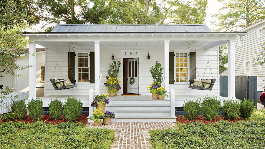 Before-and-After Porch Makeovers That You Need to See to
