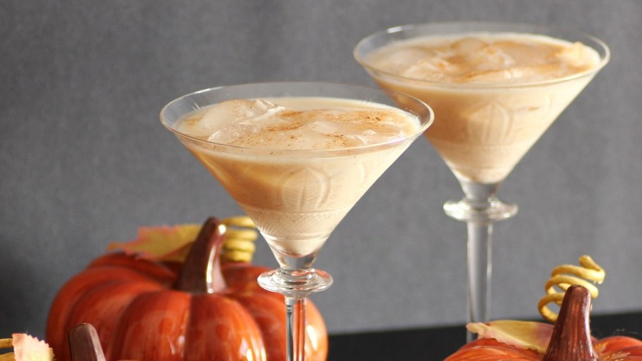 Pumpkin Pie Martini Halloween Cocktail