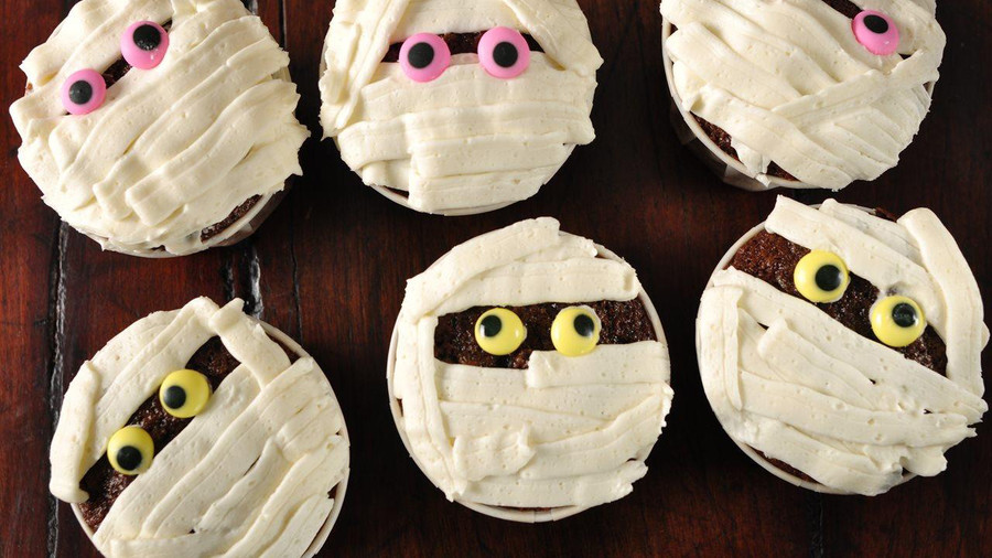 Mummy Cupcakes with Marshmallow Fluff Icing