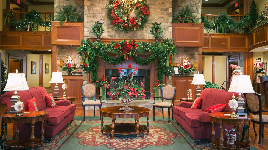 entry inn at christmas place - Hotel Christmas Decorations