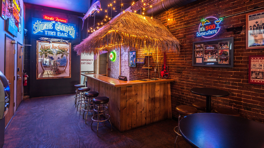 Tiki Bar_Alan Jackson New Bar