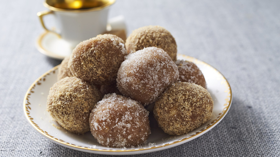 RX_1810_Southern Recipes to Know by Heart_Rum Balls