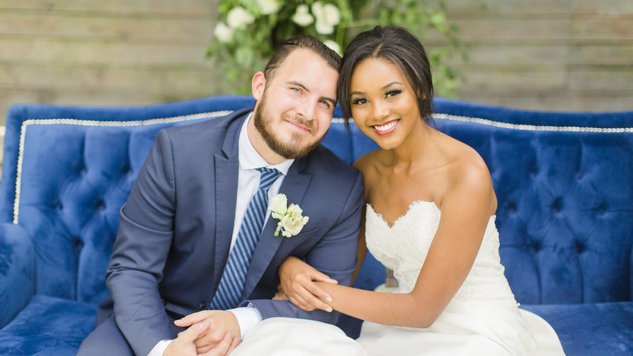 RX_1710_Wedding Design That'll Leave You Lusting for Something Blue_Don't Overlook Vibrant Photo Opts