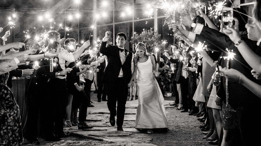 RX_1711_Personal Touches Take This Texas Wedding Over the Top_Sparkling Ending