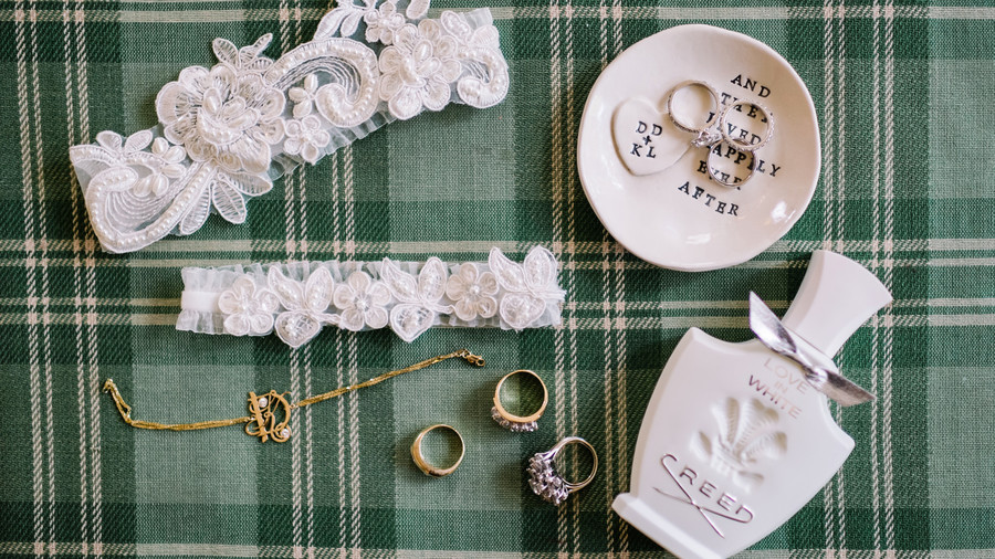 Mixed Metals and All White Accessories
