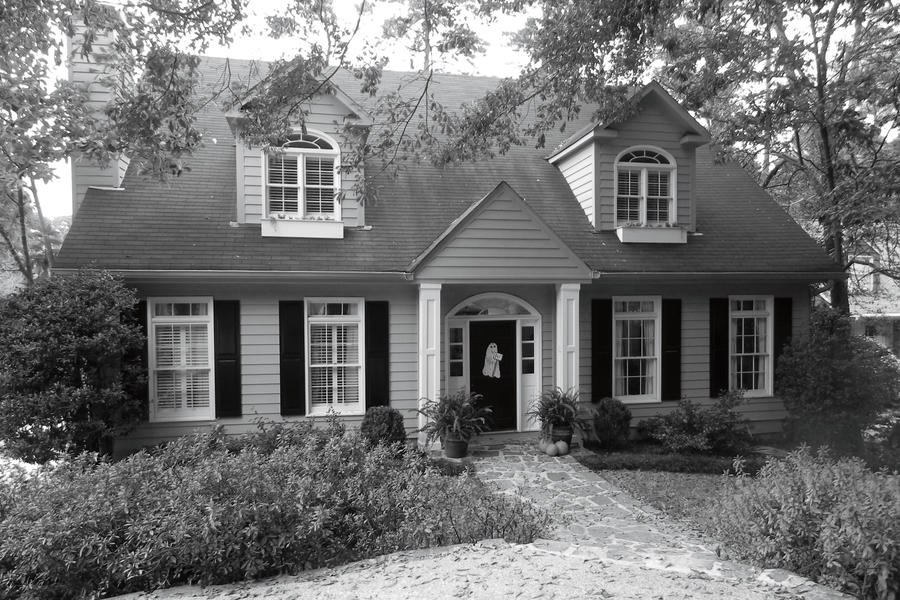 Birmingham Colonial Cottage Before
