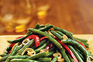 Thanksgiving Dinner Side Dishes: Green Beans With Shallots and Red Pepper Recipes