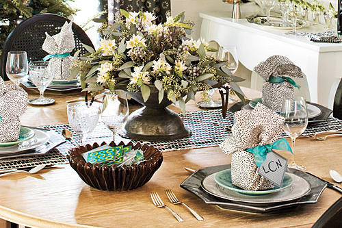 Christmas Table Decorations: Silver and Sage Settings