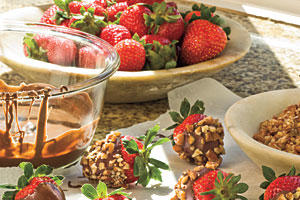 Chocolate Recipes: Chocolate-Dipped Strawberries