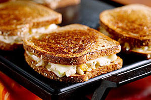 Quick and Easy Dinner Recipes: Grilled Chicken 'N' Cheese Sandwiches