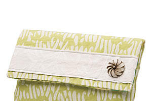 Charleston Goods: Cartwheels Clutch