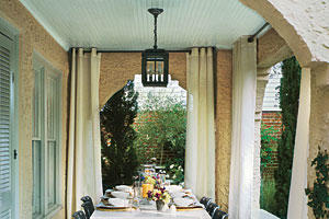 Chic Outdoor Dining Room