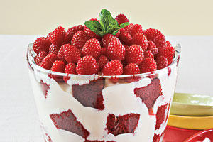 Christmas Dessert Recipes: Red Velvet Trifle
