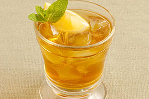 Apple-Spiced Iced Tea