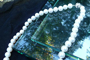 Single-Strand Necklace