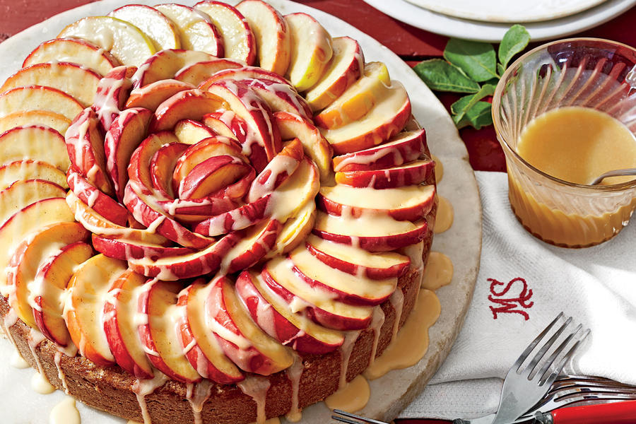 Caramel Apple Cake