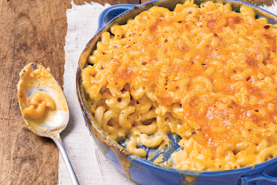 Easy Pasta Recipes: Classic Baked Macaroni and Cheese