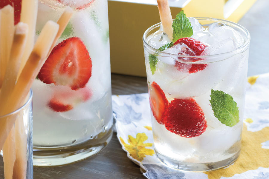 Punch and Cocktail Summer Drink Recipes: Cava Sangria