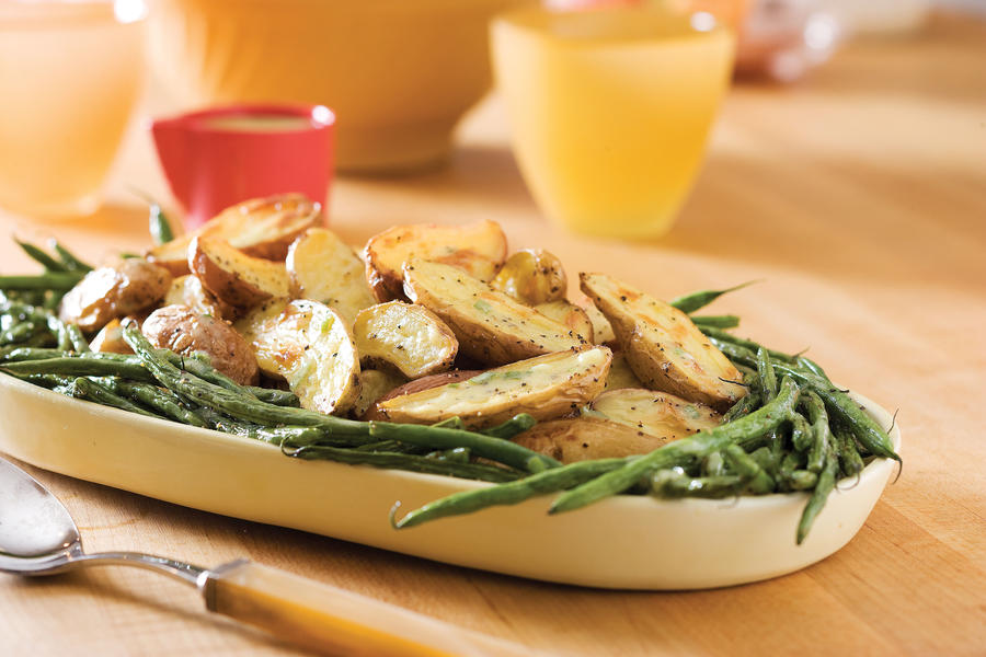 Thanksgiving Dinner Side Dishes: Roasted Fingerlings and Green Beans With Creamy Tarragon Dressing