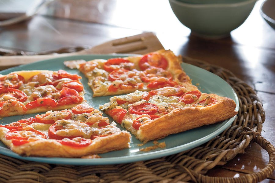 Easy Weeknight Grilling Recipes: Grilled Tomato-Rosemary Tart