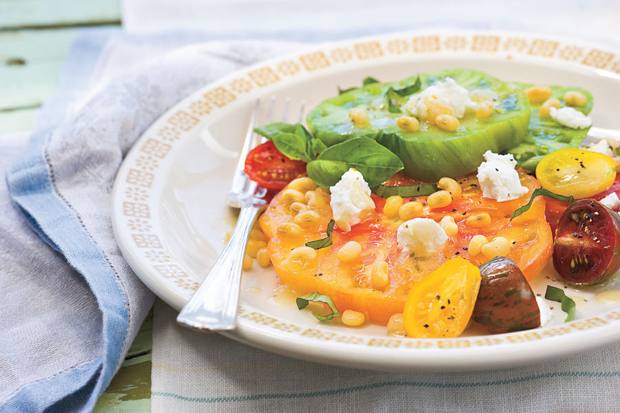 Healthy Food Recipe: Heirloom Tomato Salad With Fresh Lady Peas